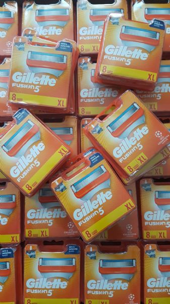 Joblot of 80x Gillette Fusion 5  Wholesale - 8 Blades